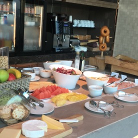 Executive Lounge - Breakfast spread