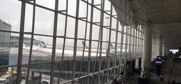Cathay Pacific and Singapore Airlines planes